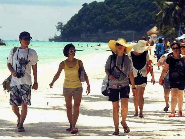 Khách Trung Quốc đến Philippines tăng bất chấp tranh chấp Biển Đông